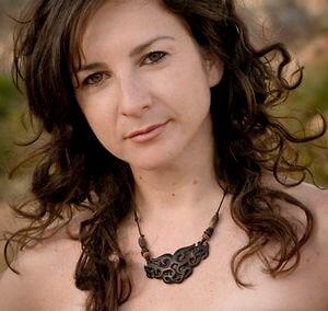 Elana Bell (2014)